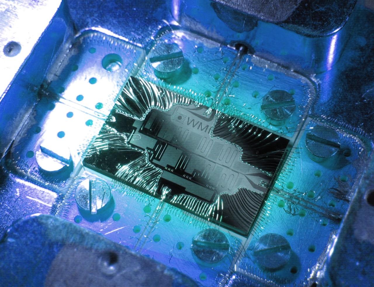 Quantum Chip by WMI.